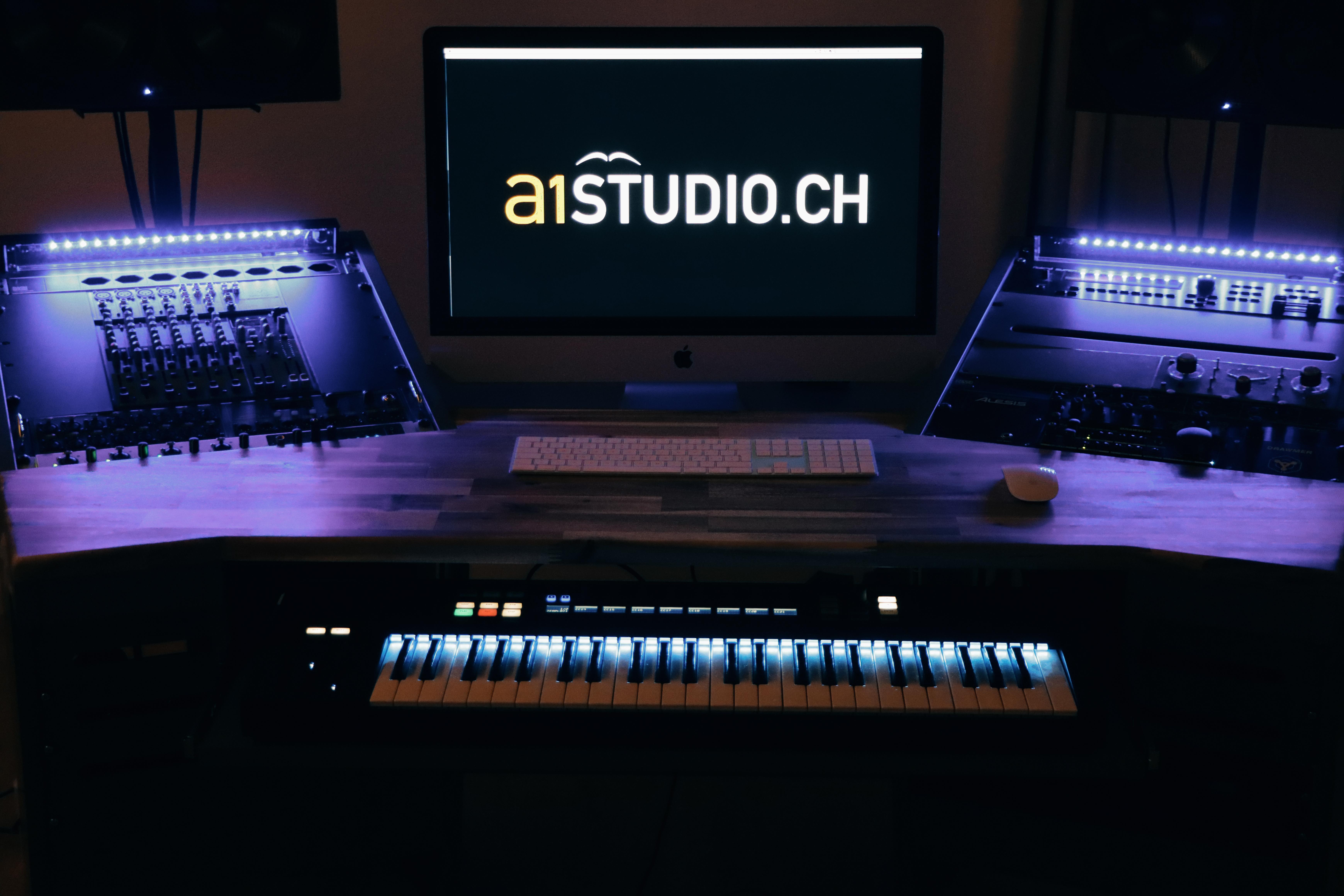 Tonstudio Deitingen, Solothurn, Schweiz, Werbejingles, Radiojingle, Sprachaufnahme, Steinway Flügel, Voice over, Filmmusik, Komponist, Songwriter, Proberaum